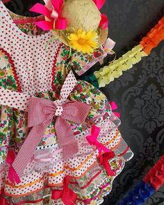 """26 curtidas, 3 comentários - O ateliê (@oatelie) no Instagram: """"As #caipiras mais fofas do #arraia ❤ #muitoamor #saudade #saojoao #arraiadasprincesas Foi lindo!!…"""""""