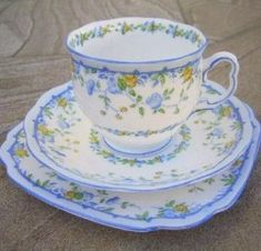 Royal Albert - gaiety series  1927 - 1935 www.royalalbertpatterns.com