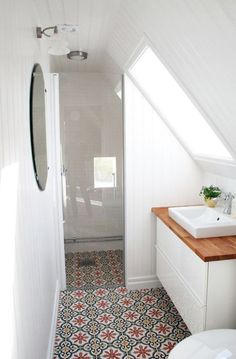 Small Bathrooms: Flooring | For more ideas click the picture or visit www.thedebrief.co.uk