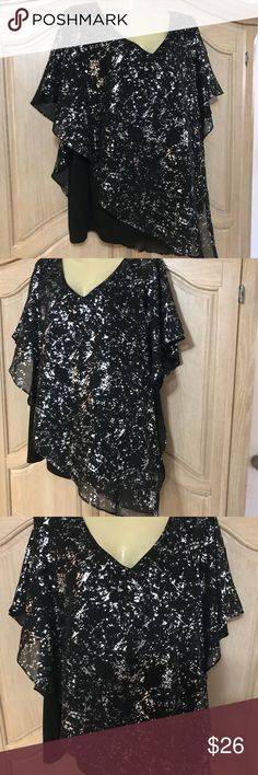 Designer AGB elegant blouse New elegant blouse with butterflies 🦋 sleeves and  low round neckline beautiful stamped in silver with background black color size 2x AGB Tops Blouses
