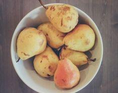 Image Pear, Bowl, Fruit in Food/Drink album Fruit Crumble, Pear Fruit, High Fiber Foods, Nutrition, Food Reviews, Food Hacks, Herbalism, Healthy Living, Healthy Recipes