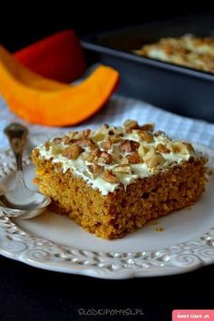 Ciasto z dynią i orzechami - Swiatciast.pl Cake Recipes, Dessert Recipes, Desserts, My Favorite Food, Favorite Recipes, Happy Foods, Healthy Sweets, Yummy Eats, Cake Cookies