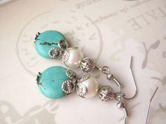 He encontrado este interesante anuncio de Etsy en https://www.etsy.com/es/listing/128812625/boho-jewelry-turquoise-earrings-pearl