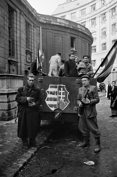 Hungarian Revolution 1956 most tudtam meg, hogy a Lajos is benne evesen. World History, World War Ii, Budapest Guide, Photographer Portfolio, Freedom Fighters, Magnum Photos, Historical Pictures, Second World, Eastern Europe
