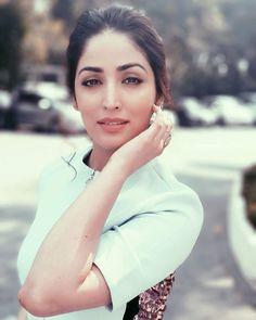 Prettiest Celebrities, Prettiest Actresses, Famous Celebrities, Bollywood Celebrities, Beautiful Celebrities, Beautiful Actresses, Celebs, Punjabi Actress, Bollywood Actress