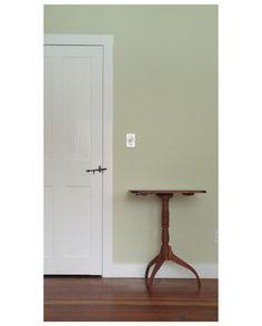 Farrow Ball's Green Ground … Farrow Ball's Green Ground [ Shelburne house ] Green Ground, Bedroom Green, Living Room Green, Farrow And Ball Living Room, Green Interiors, Wall Colors, Farrow Ball, Hallway Colours, Hallway Decorating