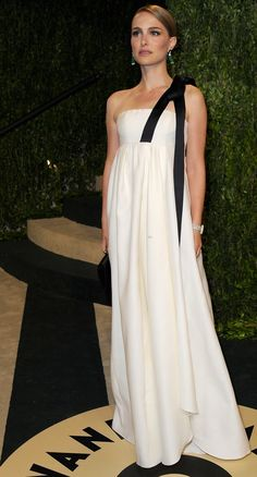 Pin for Later: Over 60 of Natalie Portman's Best Red Carpet Looks Ever Natalie Portman in White Christian Dior Gown at Vanity Fair's 2013 Oscars Party Party In Berlin, Dress Couture, Christian Dior Gowns, Beautiful Dresses, Nice Dresses, Gorgeous Dress, Cristian Dior, Vanity Fair Oscar Party, Custom Dresses