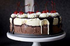 hot. fudge. sundae. cake.