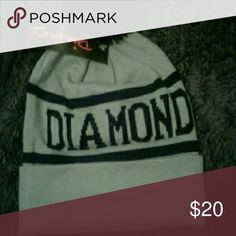 Diamond Beanie Brand new. Have tag but not attached, its placed inside hat. I was gifted two of the same hats. I sold one and now im selling the other because I bought new colors. Excellent condition. Never worn, nothing. This hat is authentic. Diamond Supply Co. Accessories