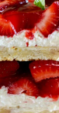 These strawberry cheesecake bars will be the hit at your next summer picnic! Creamy, rich, and piled high with fresh glazed strawberries. Apple Cake Recipes, Best Dessert Recipes, Fruit Recipes, Brownie Recipes, Easy Desserts, Delicious Desserts, Strawberry Cream Cheese Pie, Strawberry Cheesecake Bars, Easy Strawberry Desserts