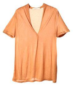 Ce T-shirt fluide en coupe oversize doit faire partie de votre garde-robe. A lui seul, il donne le ton d'un look casual. Il est idéal pour le plein été.