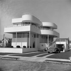 Stucco Art Deco Beach House, Convertible Car in Driveway, Margate City, New Jersey Photographic Print by H. Armstrong Roberts at AllPosters.com