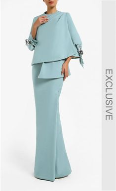 Kurung Sirih Set in Cadet Blue Green – Hijab Fashion 2020 Mother Of Bride Outfits, Mother Of The Bride, Hijab Fashion, Fashion Dresses, Mode Hijab, Quinceanera Dresses, Fashion 2020, Elegant Dresses, Evening Dresses