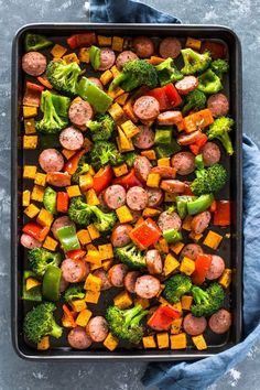 Sausage sweet potato broccoli and bell peppers seasoned with olive oil garlic italian seasoning and roasted to perfection this quick 20 minute meal is a low carb healthy and packed full of f leichte kche 3 fixe rezepte fr genussvolles abnehmen Healthy Diet Recipes, Healthy Drinks, Healthy Snacks, Cooking Recipes, Meal Prep Recipes, Cooking Games, Veggie Recipes, Healthy Cheap Meals, Clean Eating Dinner Recipes