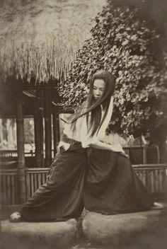 Bushido, la gracia de una mujer en manos de una espada y la espada es la mujer.