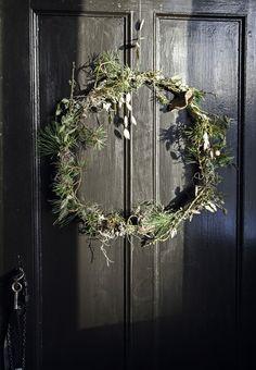 Wreath & door hanger for Christmas