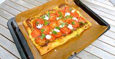 Plaattaart met tomaat, pesto en mozzarella | Lekker en Simpel