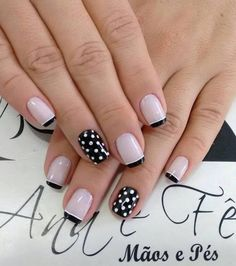 Effect polka dots 😏😏😏😌😏😌 😏😏😏😌😏😌 – Beleza Glitter Gel Nails, Manicure And Pedicure, Toe Nails, Acrylic Nails, Stylish Nails, Trendy Nails, Polka Dot Nails, Polka Dots, Nail Effects