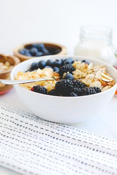 Berry Quinoa Bowl with Roasted Coconut and Slivered Almonds // Simply Happenstance Quinoa Breakfast Bowl, Quinoa Bowl, Ice Cream Bowl, Fruit In Season, Almonds, Whole Food Recipes, Berry, Vanilla, Clean Eating