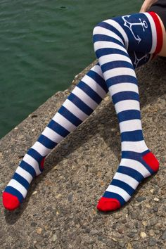 Now available online! Stripey anchor OTKs, for cartoon sailor appeal! #socks #OTK #stripes #anchor UPDATE: we regret to inform you that this style has been discontinued and is no longer available.