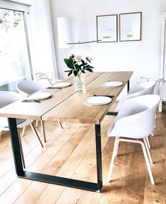 Both table and chairs, wow. Both table and chairs, wow. Reclaimed Wood Dining Table, Diy Dining Table, Dining Room Design, Kitchen Design, Rooms Ideas, Condo Decorating, Dining Room Inspiration, Interiores Design, Decor Interior Design