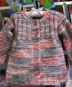 Magia do Crochet Crochet Baby Jacket, Knitted Baby Cardigan, Cardigan Pattern, Jacket Pattern, Knitting For Kids, Baby Knitting Patterns, Baby Patterns, Girls Sweaters, Baby Sweaters