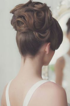 gorgeous updo wedding hairstyle; via Websalon