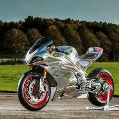 The ravishing motorcycle in front of you is called Norton RR and it s the  latest outrageous project to roll out from the Donington Hall factory b80d36302d5