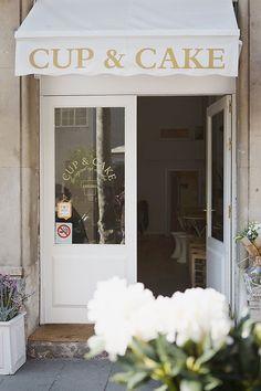 Cup&Cake Barcelona: hecho a mano Cafe Shop, Cafe Bar, Cafe Restaurant, Restaurant Design, Coffee Shop Design, Cafe Design, Store Design, Cake Shop Design, Cupcake Shops