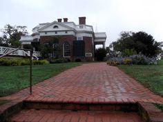 Monticello Thomas Jefferson, Charlottesville, Mansions, House Styles, Home Decor, Decoration Home, Manor Houses, Room Decor, Villas