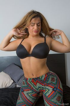 Queensized Beauties 2: Lisa Martiz
