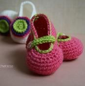 Easy photo tutorial two looks baby boots - via @Craftsy