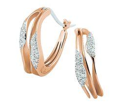 Роскошное ювелирное украшение, которое создано для красивых леди. Это ювелирное изделие высшего класса: благородный метал, бриллианты, великолепный дизайн, прекрасное исполнение. Золотые серьги повторяют природную форму горных вершин или гребни морских волн. Купить золотые серги с бриллиантами – запечатлить воспоминания о прекрасном.