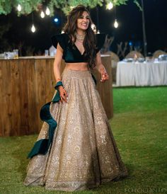 From contrasting tones to keeping every detail on point, Anj's resplendant bridal looks simply exude glamour that made our eyes sparkle with freshness! Party Wear Indian Dresses, Indian Fashion Dresses, Designer Party Wear Dresses, Indian Bridal Outfits, Indian Gowns Dresses, Party Wear Lehenga, Indian Bridal Fashion, Dress Indian Style, Indian Designer Outfits