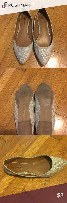 Snake skin flats Snake skin Call it Spring flats. Padded on the bottom and comfortable! Worn once Call It Spring Shoes Flats & Loafers