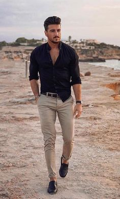 We Bring You The Best Simple, Stylish and Fashionable Outfit Ideas For Men That Every Men Would Love and Best Men's Fashion Styles From Male Models From All Over The World. Mens Semi Formal Outfit, Semi Casual Outfit, Men Formal, Men Casual, Mens Fashion Semi Formal, Casual Wedding Attire For Men, Casual Chic, Summer Outfits Men, Stylish Mens Outfits