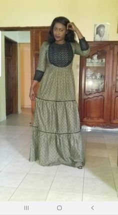 Long African Dresses, African Print Dresses, African Print Fashion, African Wear, African Fashion Dresses, Fashion Outfits, African Print Dress Designs, African Blouses, Ankara Skirt And Blouse