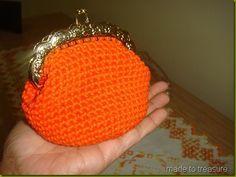 Made To Treasure: Crochet coin purse