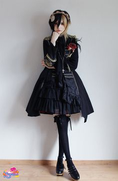 Chokelate has styled as Pirate Princess Lolita, it sounds classic, however she has decorated her style well with mixing femininity and masculinity.
