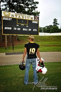 high school football, Senior boys, Senior, athlete, football portrait