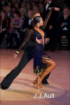 Neil Jones & Ekaterina Sokolova | WDC World Championships 2011 #dance #latindance #dancesport