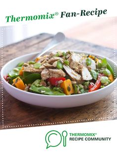 Recipe Chicken, broad bean and snow pea salad - Tim Robards by Tim Robards, learn to make this recipe easily in your kitchen machine and discover other Thermomix recipes in Main dishes - meat. Meat Recipes, Chicken Recipes, Dinner Recipes, Cooking Recipes, Healthy Recipes, Salad Places, Pea Salad, Snow Peas, Marinated Chicken