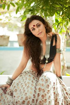 A little indi inspired outfit from Rani Mukherjee...we like this idea for summer/spring!