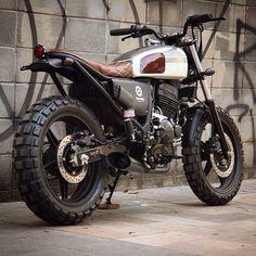 Best Honda Scrambler Ideas For You Xt 600 Scrambler, Honda Scrambler, Scrambler Custom, Cafe Racer Motorcycle, Motorcycle Design, Motorcycle Style, Cafe Bike, Cafe Racer Bikes, Cafe Racers