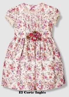 Vestido de niña escote redondo