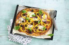 Een mooie samenwerking: jij belegt de pizza, de oven doet de rest. En ook fijn: alles glutenvrij! - Recept - Allerhande