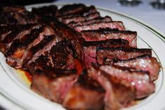 Peter Luger Steak House, one of the best steakhouses in NYC, ships nationwide on Goldbelly—order steaks online, from porterhouse to NY strip, for delivery to your door. Gourmet Recipes, Beef Recipes, Skillet Recipes, Best Steakhouse, Porterhouse Steak, Ny Steak, How To Cook Steak, Group Meals, Food Gifts
