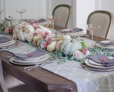 31 Awesome Winter Table Settings For Your Dining Room - Whether it be wedding table settings, black tie or prom, how to dress a table is an important detail to get right and it needn't cost you the earth! Fall Table Settings, Thanksgiving Table Settings, Thanksgiving Decorations, Table Decorations, Thanksgiving Ideas, Holiday Ideas, Halloween Decorations, Centerpieces, Pink Table