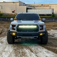 This amazing ford is an unquestionably inspiring and perfect idea Ford Raptor Truck, Lifted Ford Trucks, Diesel Trucks, Pickup Trucks, Ford Rapter, Ford Shelby, Car Ford, Ford 4x4, 4x4 Ford Ranger