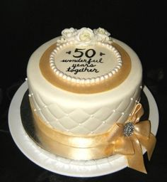Golden Anniversary cake by mandy
